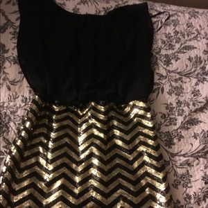 Black and gold guess dress